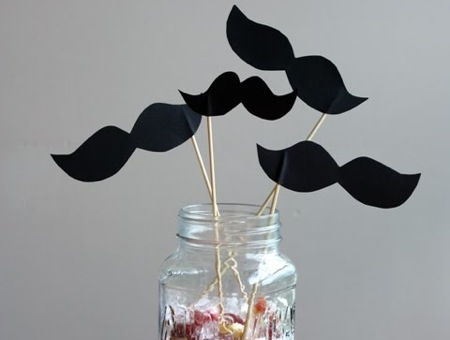 diy_paper_moustache_little_papercuts