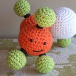 Etsy Finds: Prim and Plush amigurumi molecules