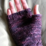 Free Pattern: Morgana from Merlin's knitted fingerless gloves