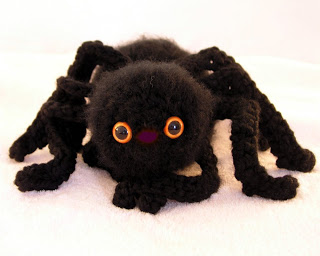 A fuzzy amigurumi spider, courtesy of Enami Eyes
