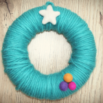 Yarn-Wrapped Wreath – Christmas Geek Crafts
